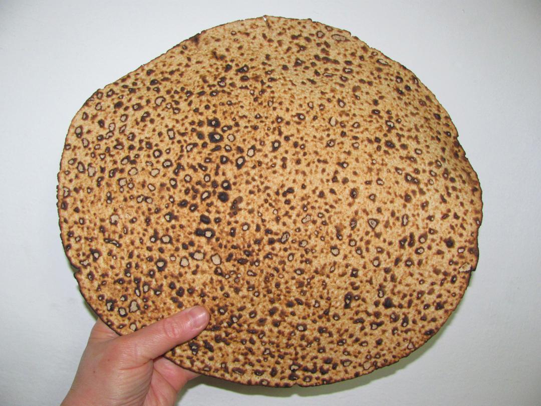 Käsitsi tehtud matsa. Yoninah, CC BY-SA 4.0, https://commons.wikimedia.org