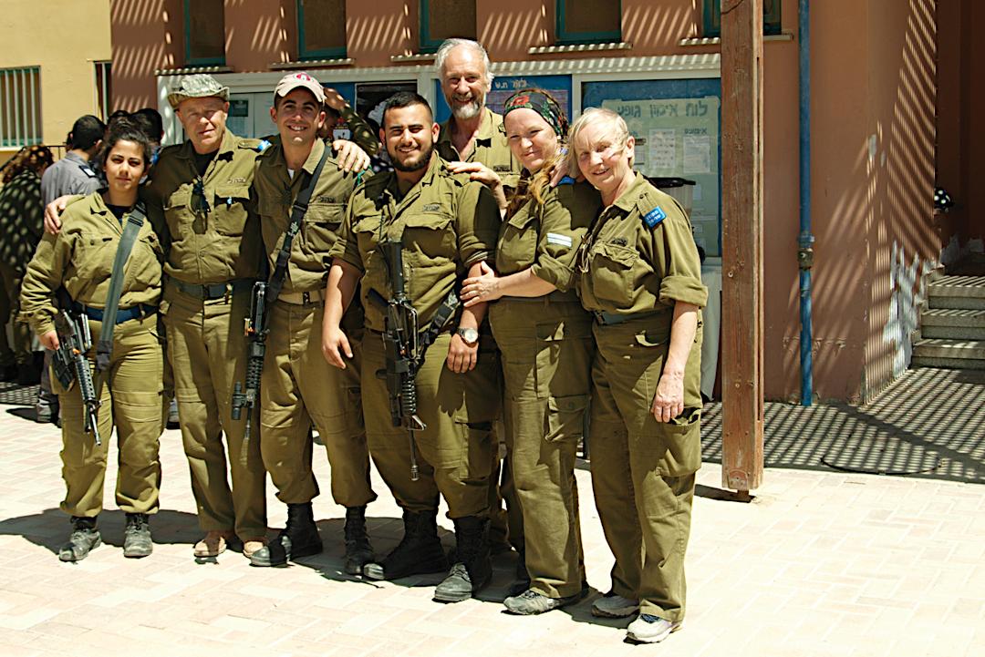 Sõduritega lõunal