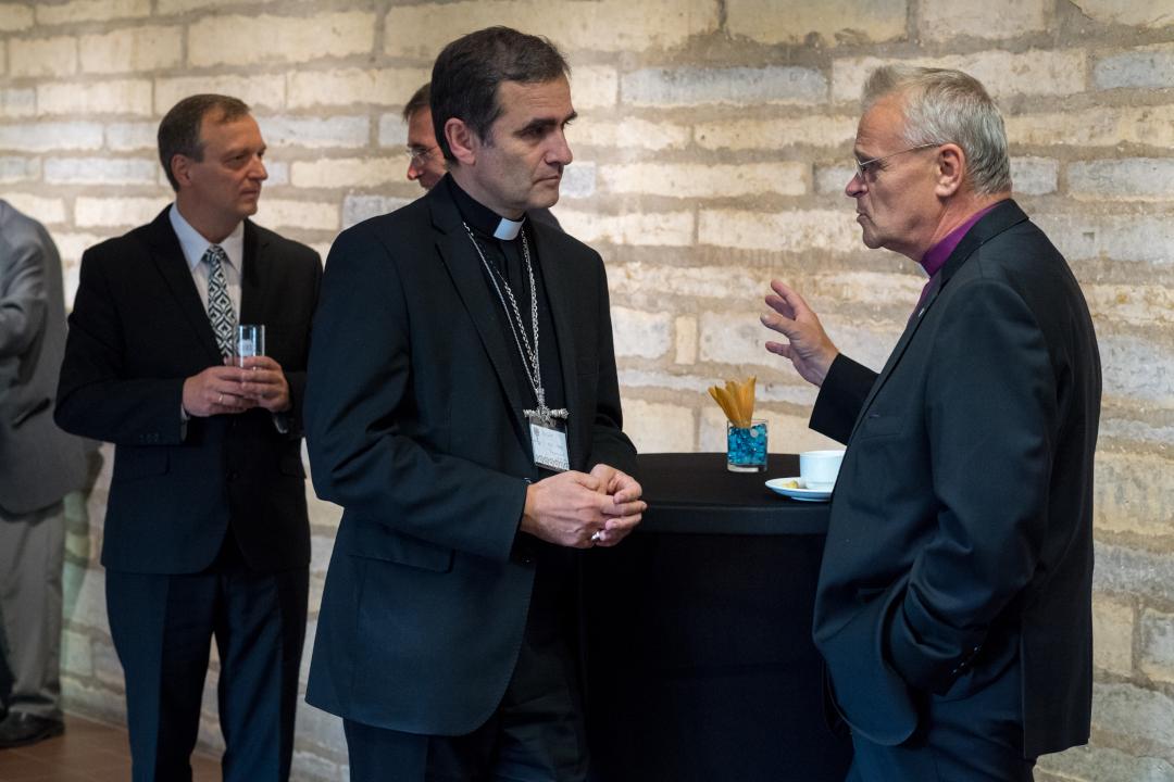 EEKBL Pastor Meego Remmel, Rooma-Katoliku Kiriku piiskop Philippe Jourdan ja EELK piiskop emeeritus Andres Põder. Foto: Endel Apsalon / EELK