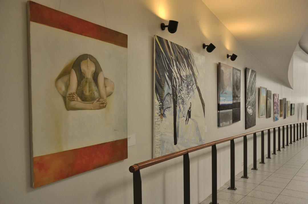 """Konverentsi """"Loova südame avamine"""" raames korraldati ka Eesti ja Läti kunstnike näitus teemal """"Peidus pool – depressioonist välja"""". Foto: Joel Aulis"""