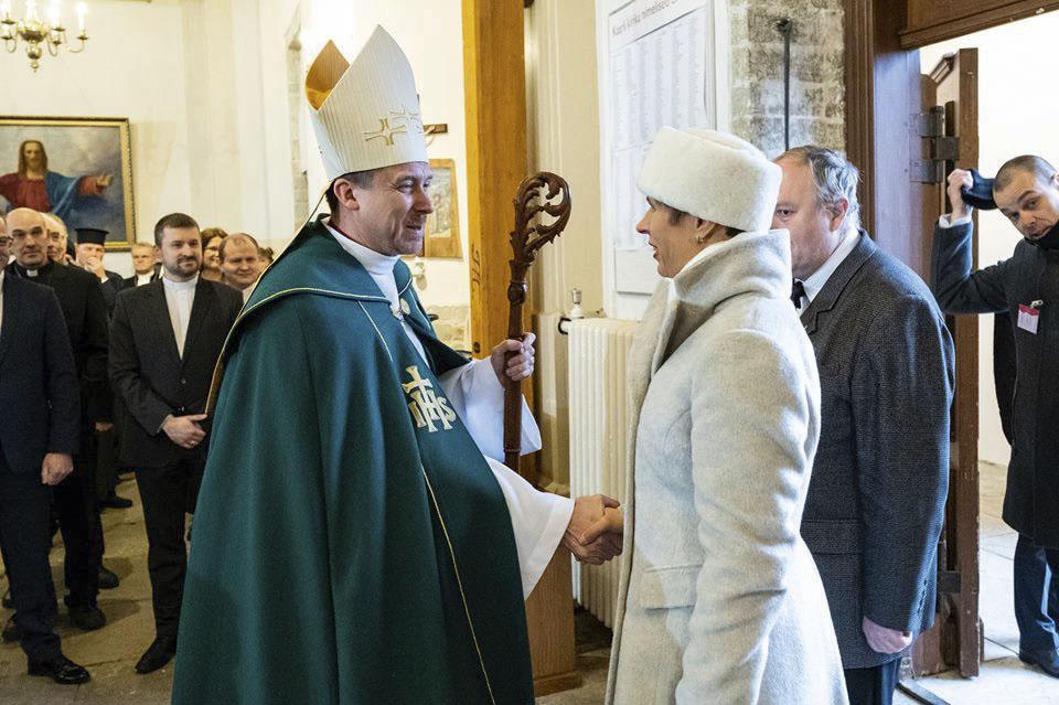 Peapiiskop U. Viilma ja president K. Kaljulaid. Foto: EELK Kaarli kogudus Facebookis
